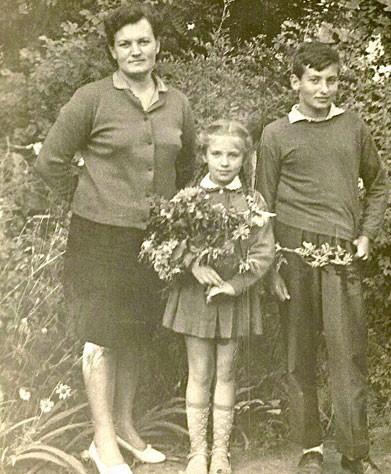 Игорь Крутой с мамой и сестрой