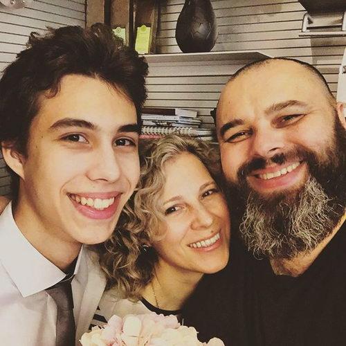 Максим Фадеев с женой Натальей и сыном Саввой фото