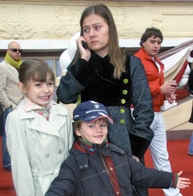 Мария Голубкина с детьми фото