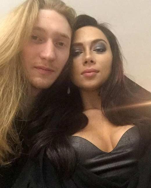 Настасья Самбурская с новым парнем Александром Ивановым фото