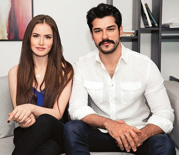 Бурак Озчивит и его девушка Фахрие Эвджен фото