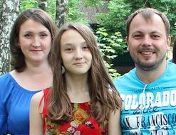 Ярослав Сумишевский с семьей женой и дочерью фото