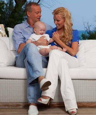 Олеся Судзиловская с семьей: мужем Сергеем и сыном фото