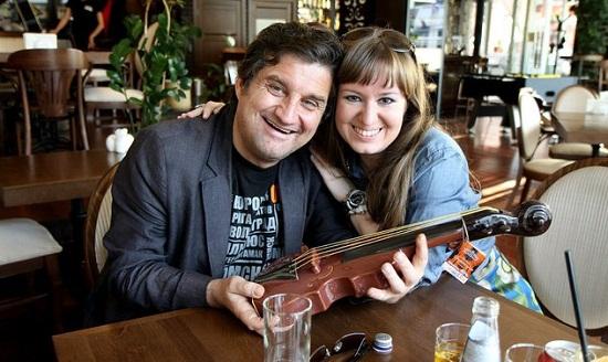Отар Кушанашвили с гражданской супругой Ольгой Курочкиной фото