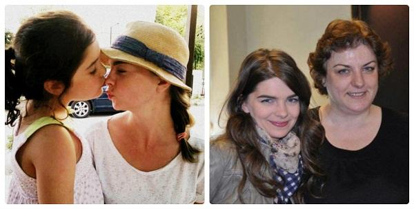 Пелин Карахан с сестрой и мамой фото