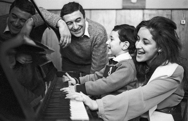Тамара Гвердцители с семьей мужем и сыном фото