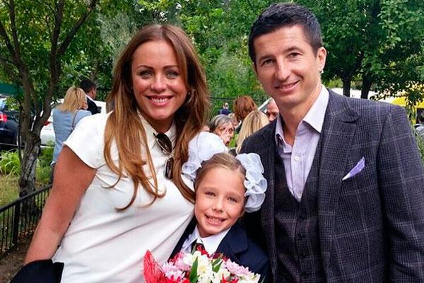 Юлия Началова с бывшим мужем и дочерью фото