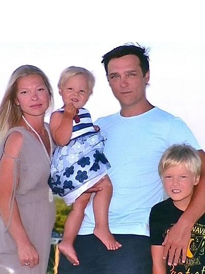 Юрий Шатунов с семьей женой и детьми фото