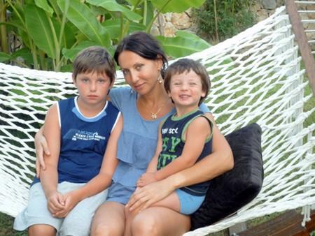 Алика Смехова с сыновьями фото