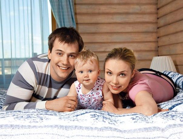 Иван Жидков с бывшей супругой Татьяной Арнтгольц и дочерью фото