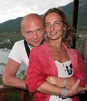Андрей Смоляков с гражданской женой Дарьей Разумихиной фото