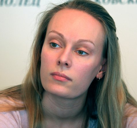 на фото Ольга Ломоносова