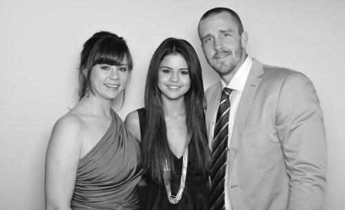 Селена Гомес с родителями