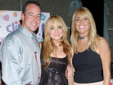 Линдси Лохан с родителями